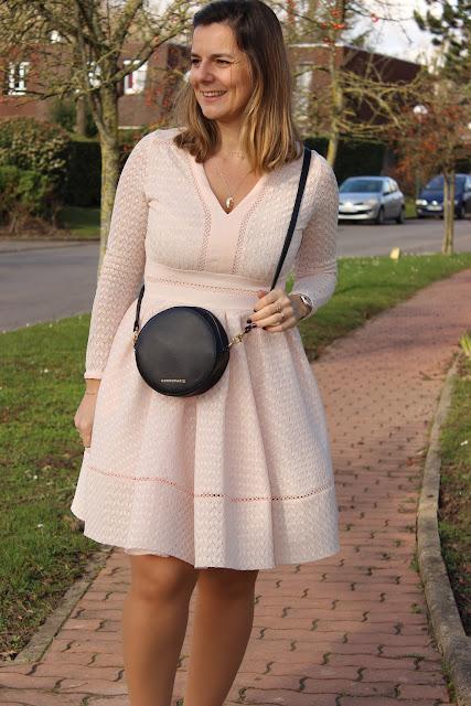 Voir la vie en rose look st valentin, défi look, robe maje rose, les petites bulles de ma vie