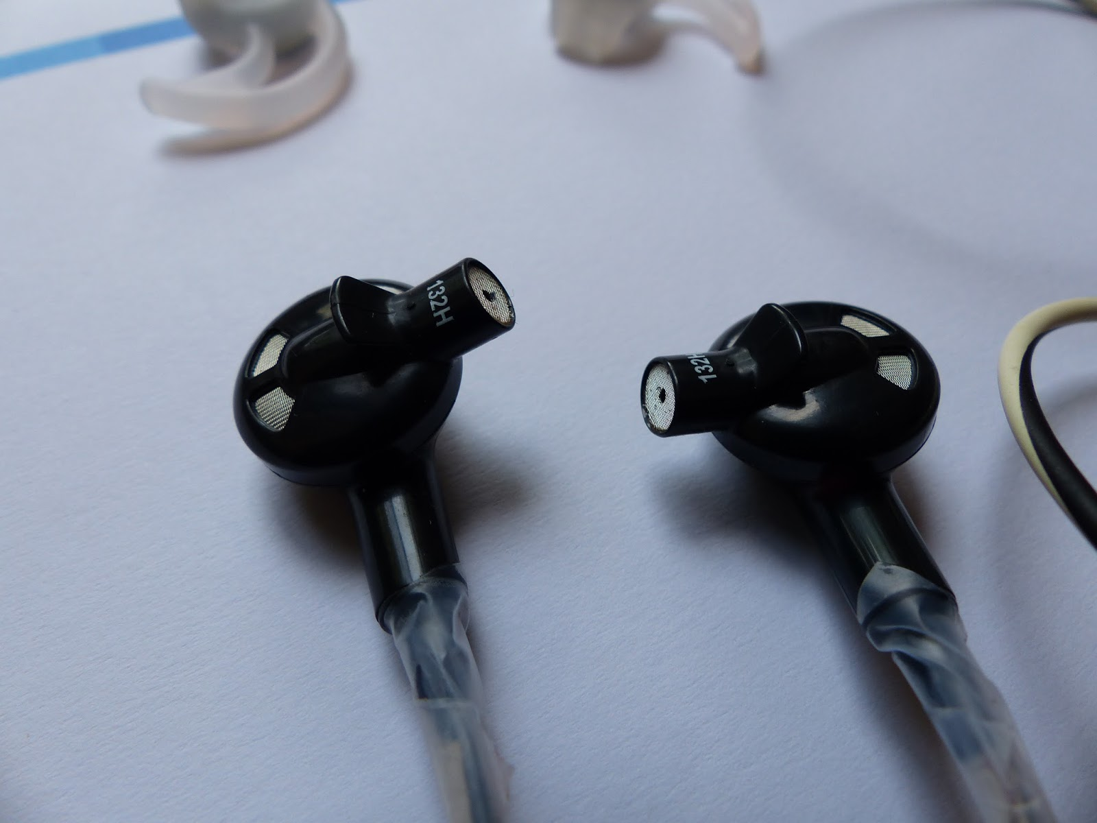 Contemporary Coincidence: Bose In-Ear headphones have bad cords : Planned  Obsolescence