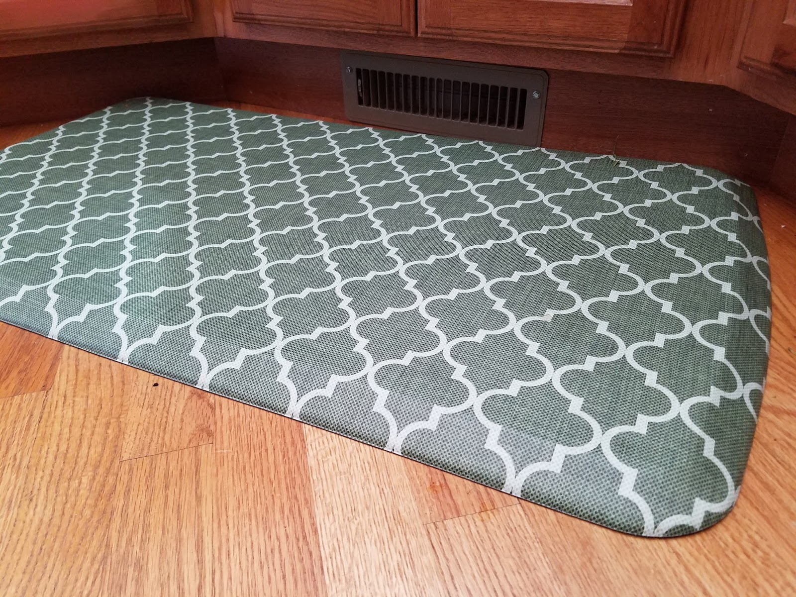 Cooking With Julian: GelPro Kitchen Floor Mat Review
