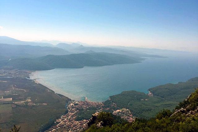 Muğla Sakartepe Seyir Terası'ndan Akyaka ve Gökova Körfezi görülmeye değer.