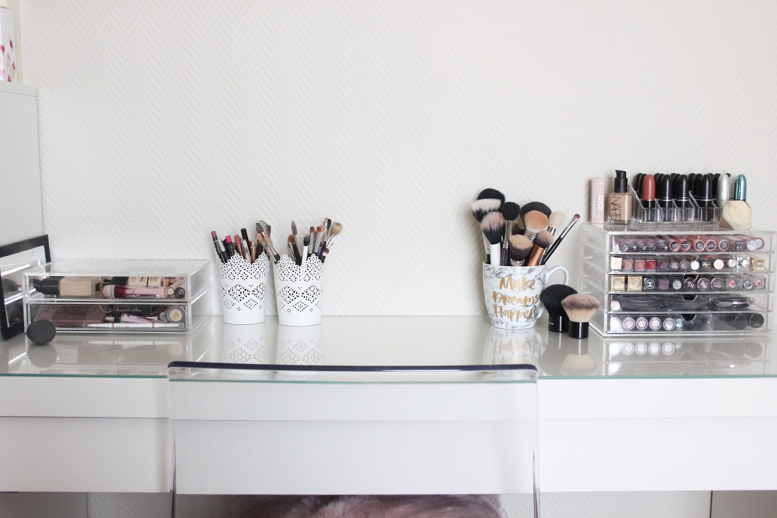 Make Up Tafel : Wat staat er op mijn make up tafel a beauty to rock