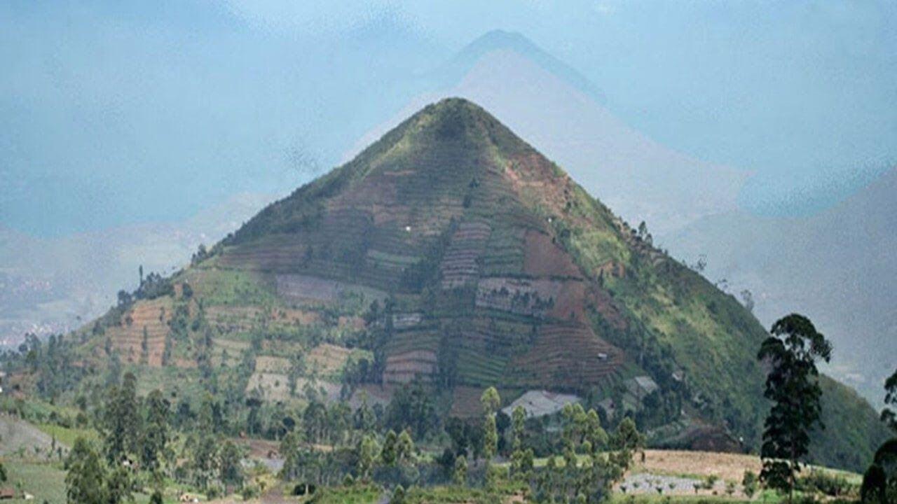 Gunung Padang piramid tertua