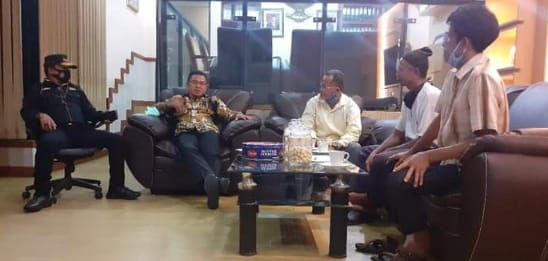 Keluh Masyarakat Berbura, Operasi Tambang TI di Pulau Kianak dan Tanjung Sunur