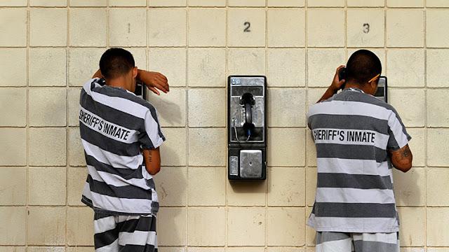 ¿Volverá la esclavitud a EE.UU.? Proponen a Trump que los reos construyan el muro con México