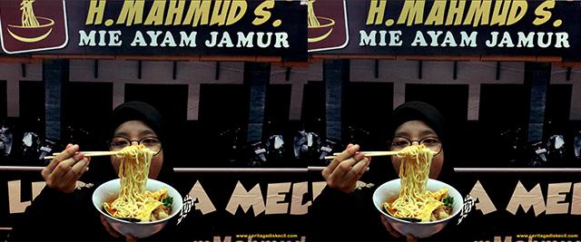Food Blogger Medan - Mie Ayam Jamur Spesial Haji Mahmud Kuliner Legendaris Wajib Dikunjungi Mahasiswa Milenial Seantero kota Medan