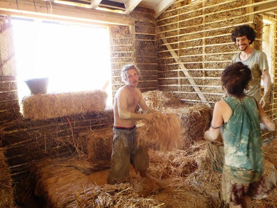 Σπίτι με cob και άχυρο στην Αγριά του Βόλου - Φτιάχνω μόνος μου