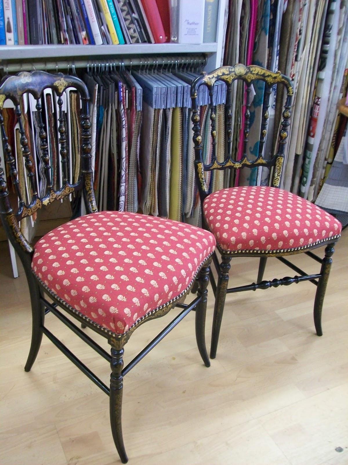 l 39 chaise napol on iii et chaise de chemin e. Black Bedroom Furniture Sets. Home Design Ideas