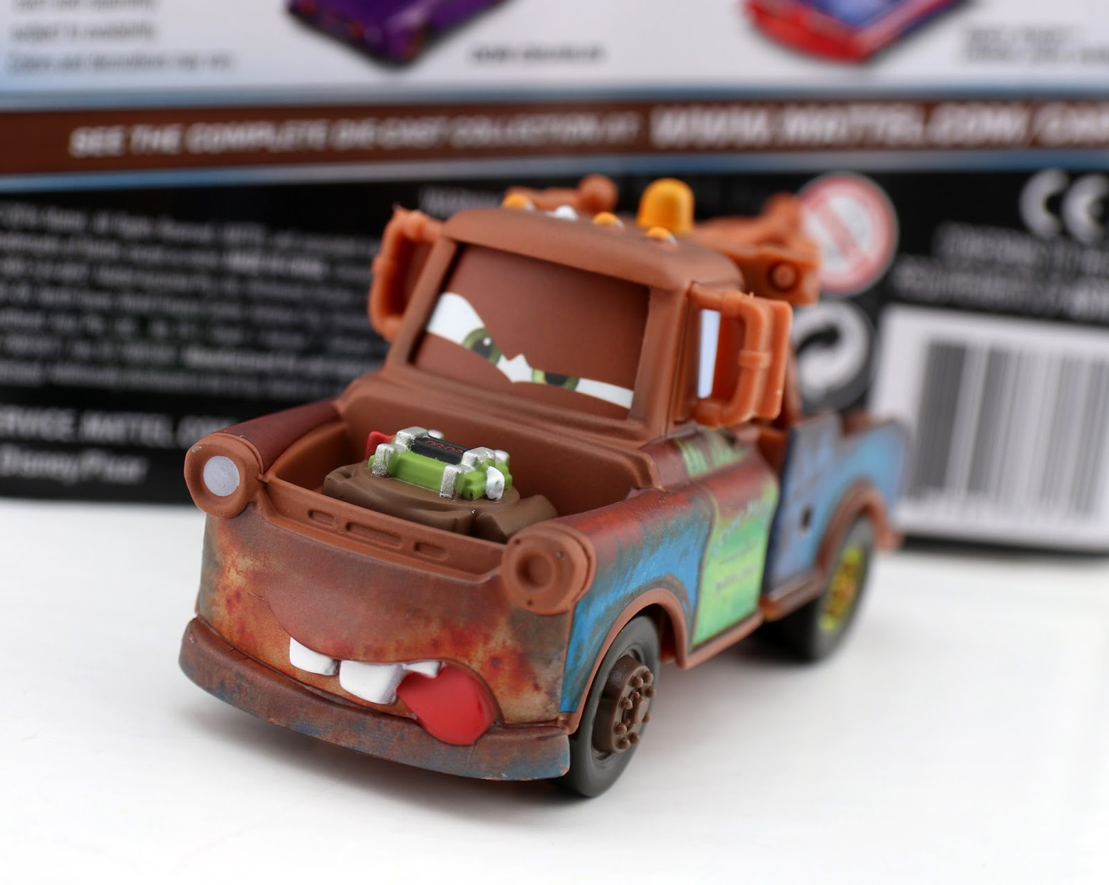 Cars 2 Fighting Face Mater mattel diecast