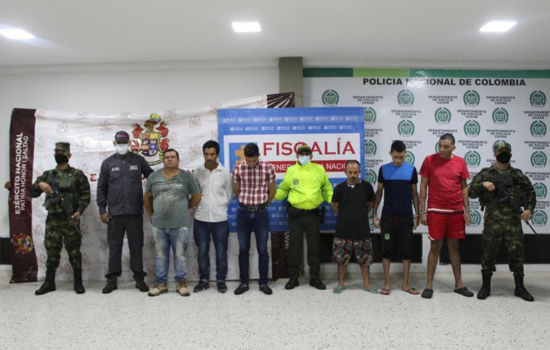 https://www.notasrosas.com/Ejército y Policía Nacional capturan y notifican en el Cesar,  a 11 integrantes del Grupo Delincuencial  'Los Pachenca'