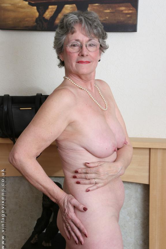 Voluptuous Mature Women Nude