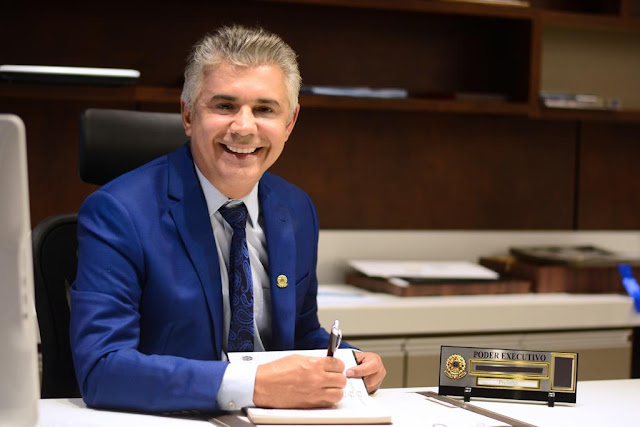 Prefeito Jailson Fausto antecipa salário dos servidores de Lima Campos