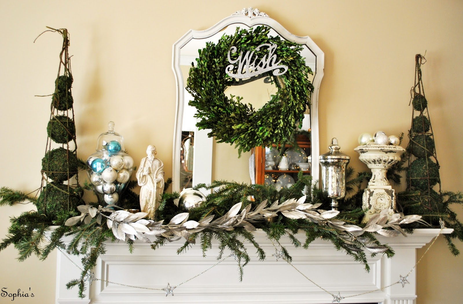 Sophia 39 s a christmas mantel - Modern christmas mantel ideas ...