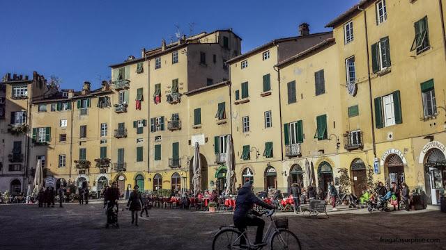 Piazza dell'Anfiteatro, Lucca, Itália