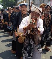Kesenian Lengser Jawa Barat