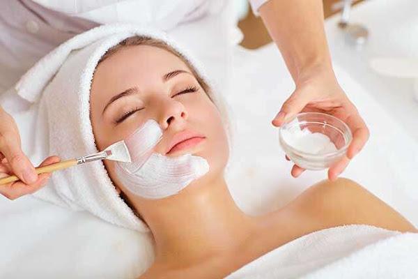 وصفات طبيعية لبياض الوجه ونظارة البشرة
