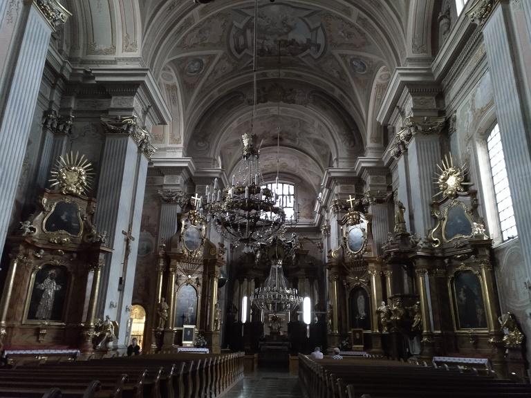 que-visitar-varsovia-iglesia-santa-ana