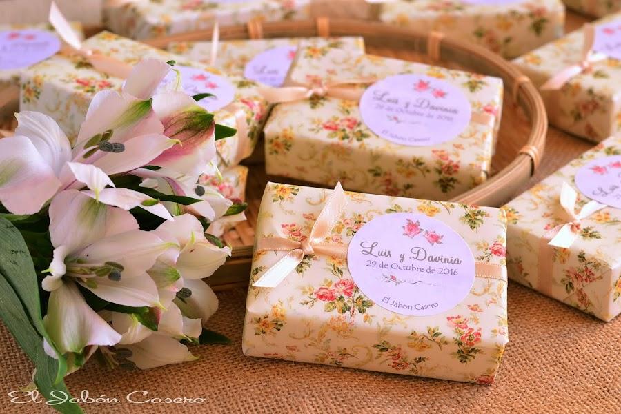 detalles de boda romantica jabones naturales florales