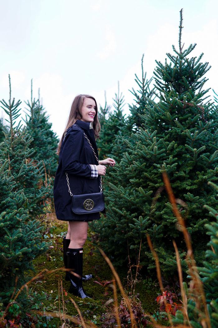 Krista Robertson, Covering the Bases,Travel Blog, NYC Blog, Preppy Blog, Style, Fashion Blog, Travel, Fashion, Preppy Blogger, Preppy Outfits, Christmas Tree Picking, Christmas Tree Farm,