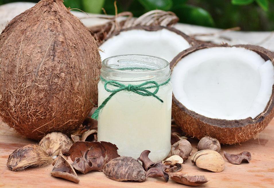 11 Home Remedies against Dandruff