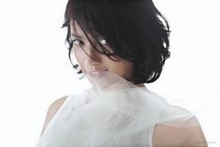 Foto Nakal Agni Pratistha Mantan Putri Indonesia Berpose Hot Di Majalah Dewasa 4