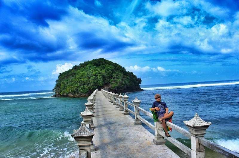 Pantai Jembatan Panjang Malang