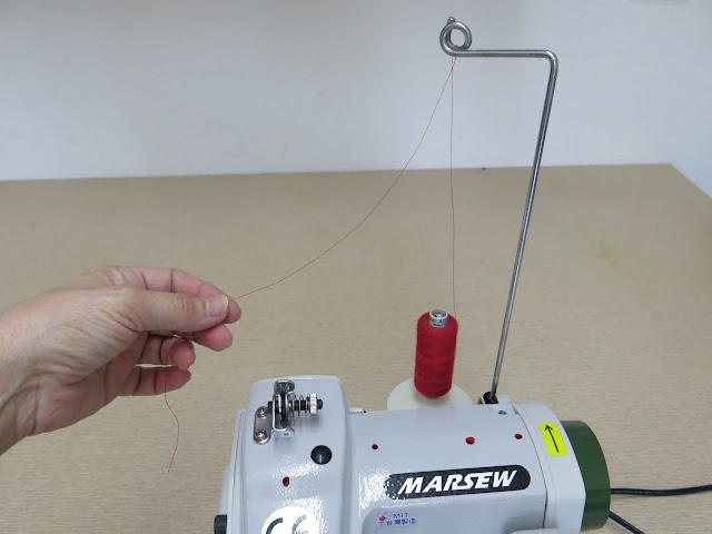 enhebrado máquina de coser paso a paso