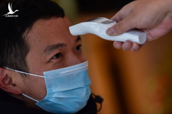Chuyên gia ước tính 100.000 người đã nhiễm vi rút gây viêm phổi Vũ Hán