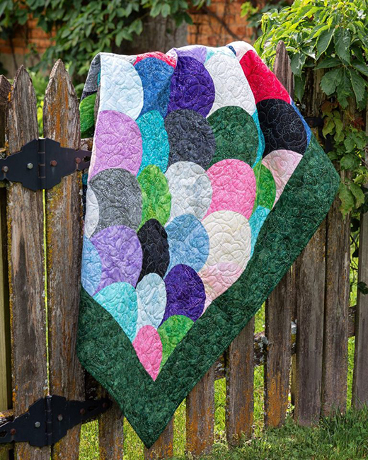 Easy Clamshell Quilt designed by Jenny of Missouri Quilt Co