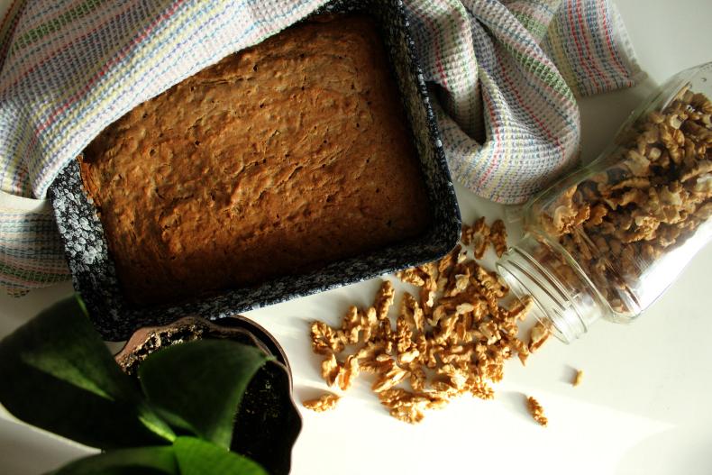 Healthy recipes: zucchini cake
