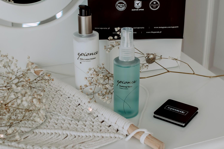 Oczyszczanie skóry mleczkiem Epionce Milky Lotion Cleanser