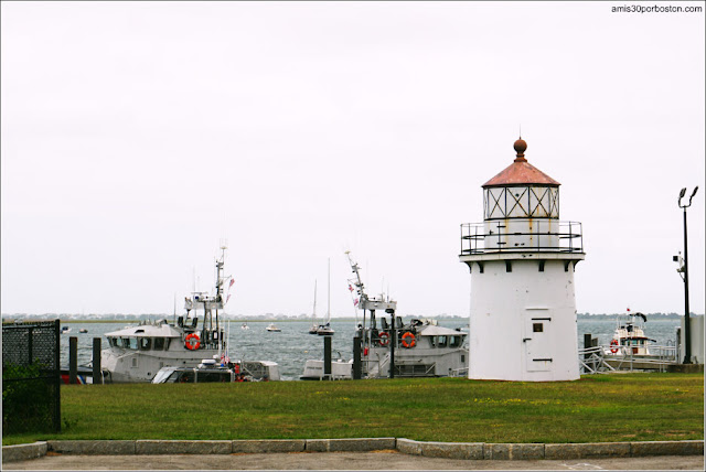 Newburyport Harbor Front Range Lighthouse