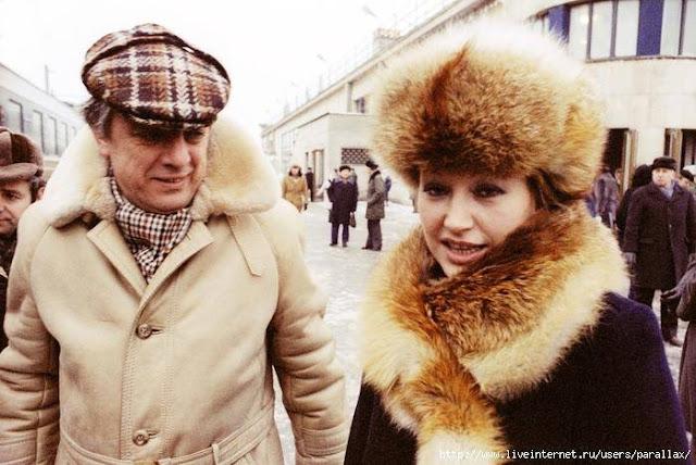 Начало 1980-х годов. Рига. Раймонд Паулс и Алла Пугачева на перроне Центрального ж/д вокзала