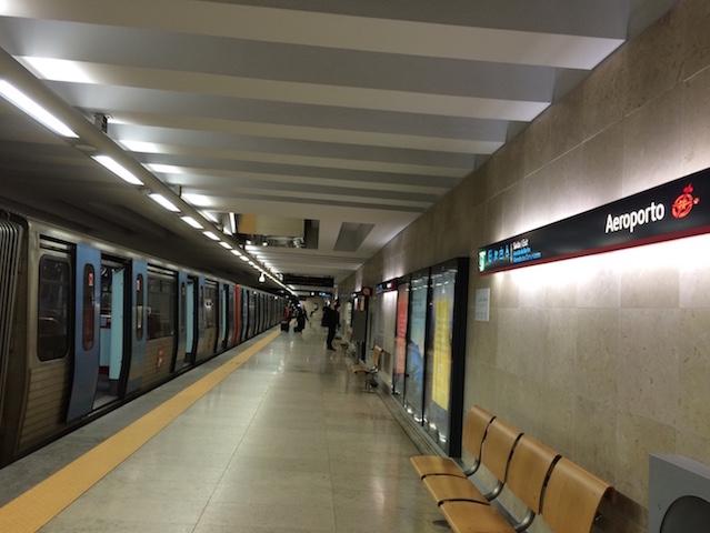 Metrô do aeroporto de Lisboa até o centro