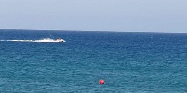 Ζευγάρι παρασύρθηκε από τα κύματα στο Ladys Mile - Νέα διάσωση