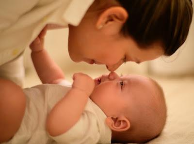8 coisas que os pais raramente fazem pela saúde dos bebês que os médicos aconselham