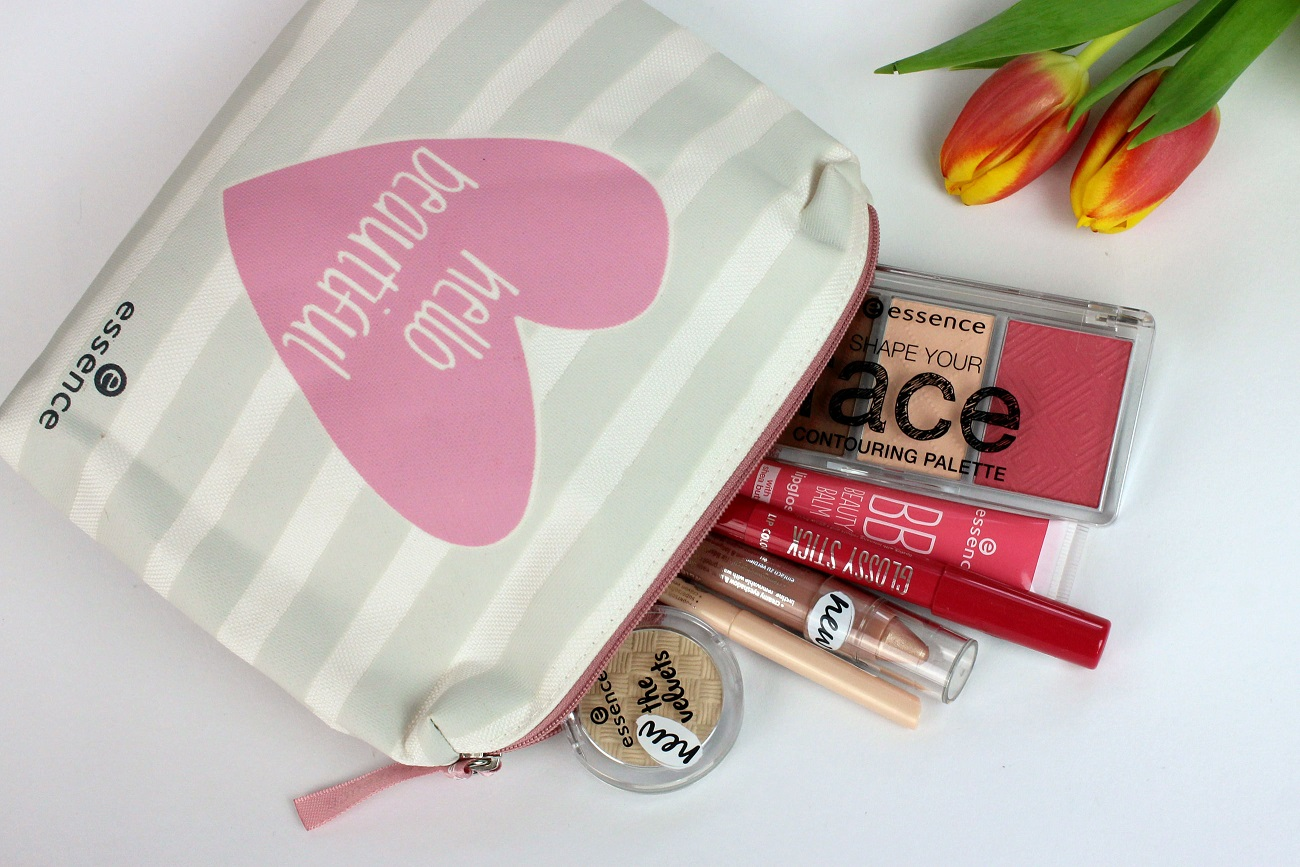beauty, beauty bag, cosmetics, drogerie, essence, favoriten, glowcon, kosmetiktasche, kurztrip, lieblinge, lippenöl, lippenstift, make-up, makeup bag, mascara, nagelpflege, neues sortiment, neuheiten, whats iny my bag,