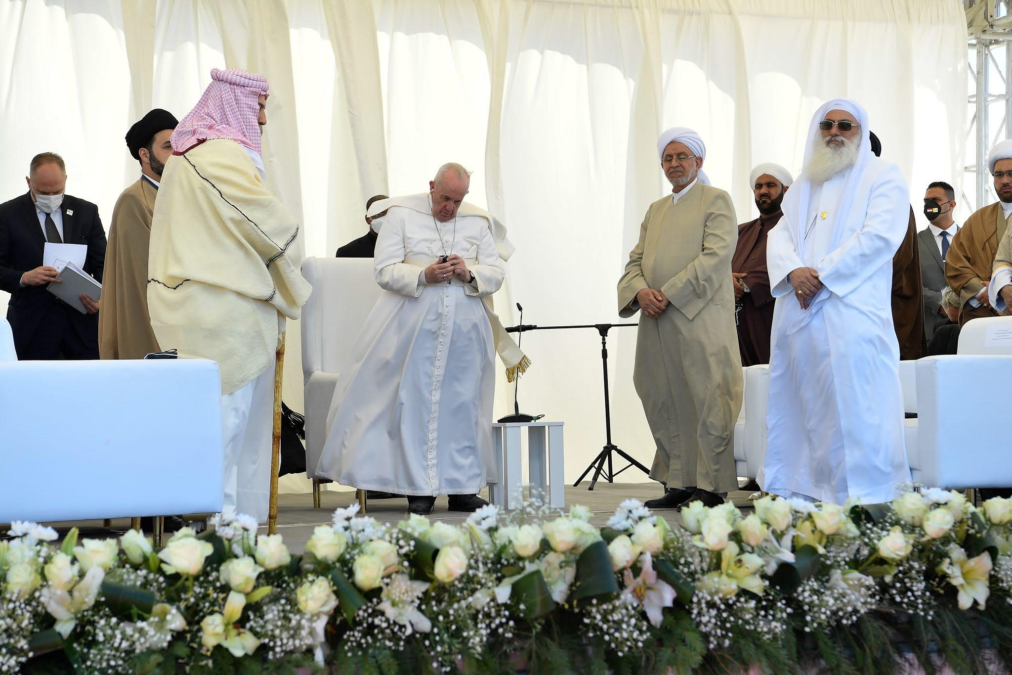 """El papa Francisco en Irak: """"No se puede callar cuando el terrorismo abusa de la religión"""""""