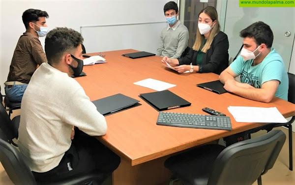 Estudiantes de la Escuela de Capacitación Agraria de Los Llanos de Aridane realizan prácticas en distintas unidades del Servicio de Medio Ambiente