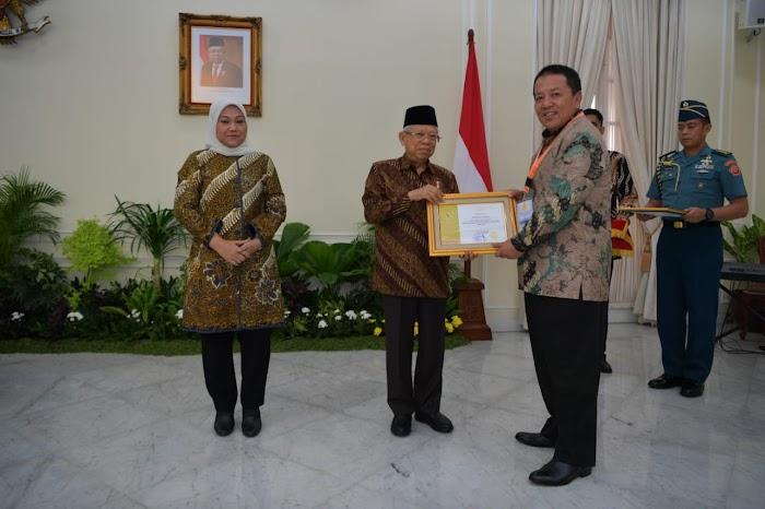 Berhasil Bina Usaha Kecil dan Menengah, Gubernur Arinal Raih Anugerah Paramakarya 2019