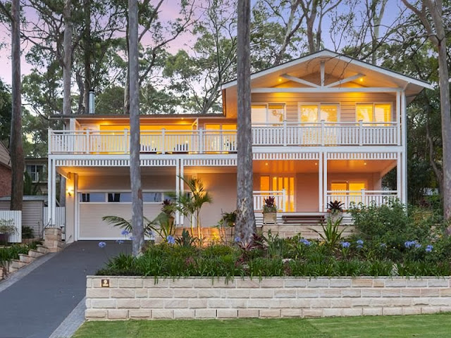 This Is Avalon Beach House Living At Its Best Home Beautifully Designed To Take Advantage Of The Australian Climate With Indoor And Outdoor Areas