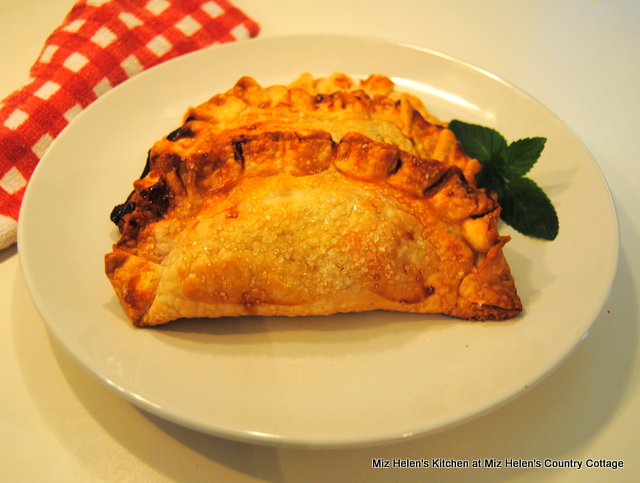 Peach Hand Pies at Miz Helen's Country Cottage