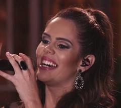 Mariana Fagundes lança clipe de Só Você Não Vê