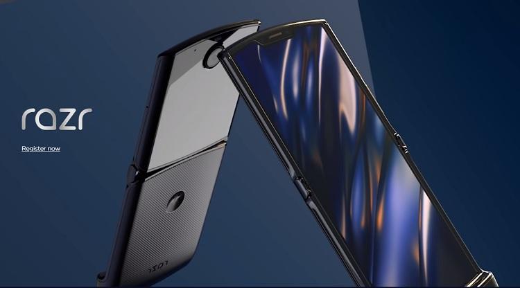 Motorola Razr Returns with Foldable Screen