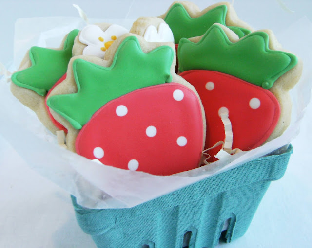 simple strawberry decorate cookies, a good cookie for beginner decorators