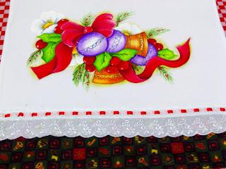 pano de copa com pintura natal sinos e bolas