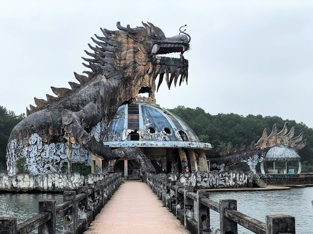 ho thuy tien abandoned waterpark hue vietnam