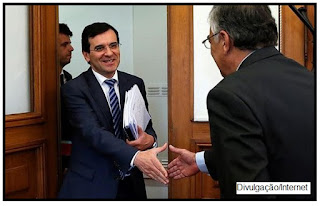 O ministro da Saúde de Portugal, Adalberto Campos Fernandes, decidiu retirar as máquinas automáticas de alimentos com alto teor de açúcar e sal das unidades de Saúde.