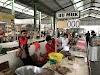Kompak Pedagang Ayam Potong Copot Plakat Harga Di Pasar Srono