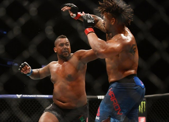 Greg Hardy blows Yorgan De Castro UFC 249
