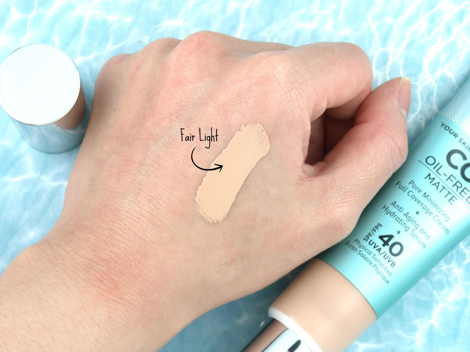 "IT Cosmetics | Your Skin But Better CC+ Oil-Free Matte with SPF 40 in ""Fair Light"": Review and Swatches"